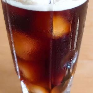 Coffee float. A popular cafe drink in Japan consisting of ice coffee topped with vanilla ice cream. #tokyodollnlcookdessert #Japanesefood #japanesecuisine #japanesedessert #cafe #creamsoda #coffefloat #coffee #icecoffee #icecream #japanesesweets #おうちカフェ #lekkereten #japanseten #koffie #coffeetime #コーヒーフロート #vanillaicecream #coffeestagram