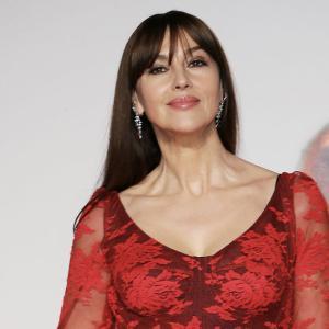 ベネチア国際映画祭 美女モニカ・ベルッチ 50才過ぎたら冒険よりも、鉄板ドレスと好みを優先?