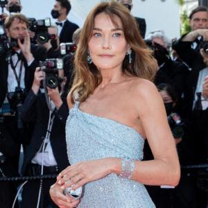 カーラ・ブルーニ スーパーモデル兼 元フランス大統領夫人はいつまでもスリム カンヌ映画祭