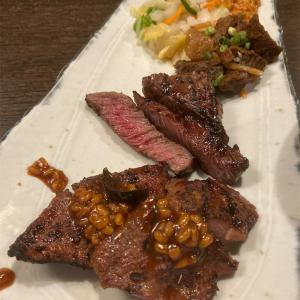 タンタンタタタンタンタンタンで炭焼き牛たん東山福岡天神店で味噌たんと牛ハラミ定食を食べたおじさん