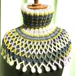 2目ゴム編みとネット編みのネックウオーマー