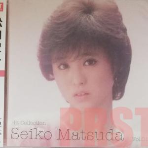 マルチメディア部門から。なつかしいアイドルCD販売中(松田聖子+中森明菜)