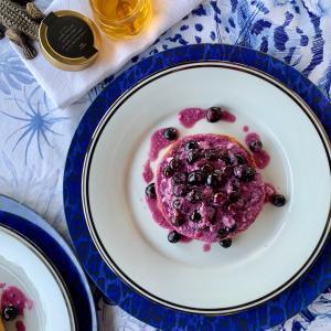 温かいブルーベリーソースと蜂蜜レシピ公開中