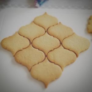 モロッカン型クッキーでステンドグラス風(*^ー゚)
