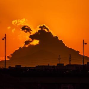晴れと曇りの夕方の空 by 空倶楽部