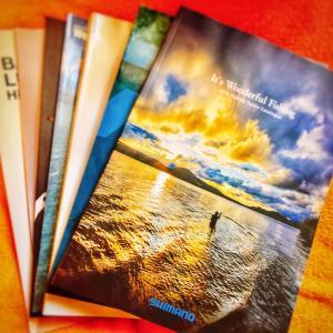 釣具屋さんに行って今年のカタログを仕入れる。