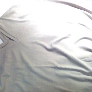 さらりと着られるOMNESのワッフル半袖プルオーバー。これからの季節にぴったり♪