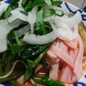 トマトソース冷麺