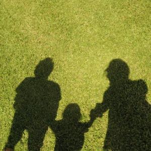 3歳までは母親が育てないと、子供に悪い影響があるの?