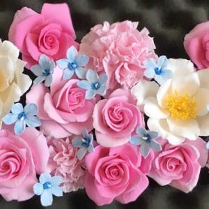 粘土の薔薇とカーネーション(o^∇^o)ノ♪