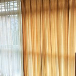 実家の片付け・新しいカーテンで気分上々
