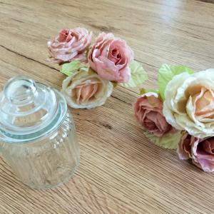 ダイソーとセリアのグッズでエレガントな[ラブリー花の飾り物】