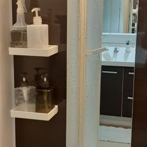 ■浴室の鏡についたウロコ「鱗状痕(りんじょうこん)」をキレイに!