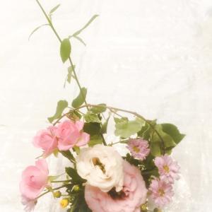 楽しく生け花っ❗️感謝します。