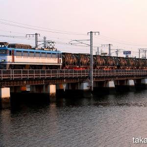 鹿児島本線 多々良川橋梁で朝練(完)朝陽を浴びた貨物列車   8月4日撮影