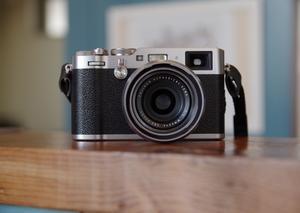 コンパクトカメラ買いました