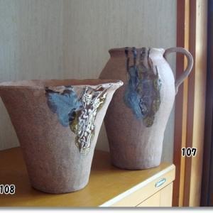 大きな陶芸の壺