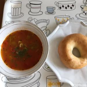 パンとスープとネコ日和を読んで、スープを作りたくなりました