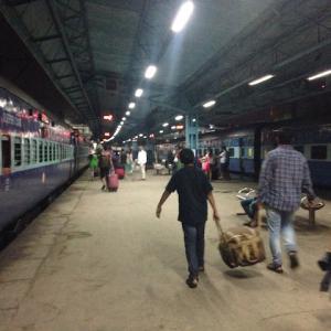 インド・ムンバイの安宿といえばこちら!!サルベーショーンアーミー。