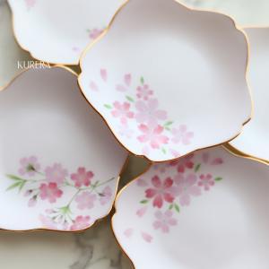 シャンパンピンクの桜小皿~ポーセラーツ・生徒さま作品