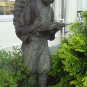 二宮金次郎像の移設・・・ながらスマホ禁止で撤去対象となっていますが(*_*)