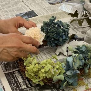 青がきれい!   紫陽花のリース