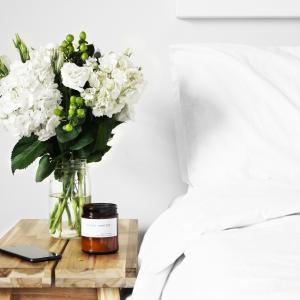 【買ってよかった】寝室すっきり!ベッドを3台並べる子育て家庭に役立つ超巨大シーツ