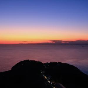 江の島シーキャンドルからの夕景と富士山