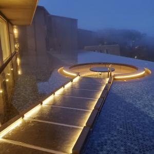1泊2日箱根旅行⑤GOTOトラベルで大人気の「はなをり」に宿泊〜水盤テラス〜@芦ノ湖