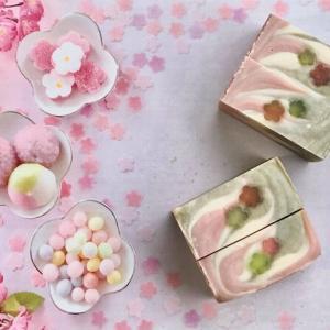 2月の定期講座は甘酒入りの菱餅カラーの石けん作りです(^o^)
