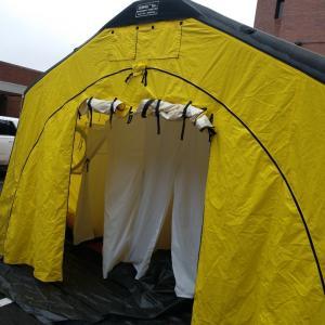 ディーコン・テントのデモ