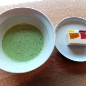 【御所東】京都御苑の近くにあるワクワクかわいい和菓子を楽しめる人気店でフルーツ羊羹を食す