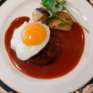 【烏丸御池】コスパ抜群の洋食屋さんで絶品の目玉焼きハンバーグのランチを堪能!ヒグチ亭