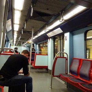 リスボン国際空港に深夜到着~地下鉄で市内中心部へ移動 May.'19