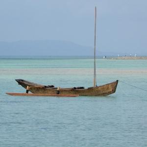 竹富島コンドイビーチ/綺麗な海を散策する前にカラス対策を万全に Feb.'20