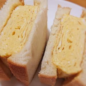 土曜日のランチは「サンドイッチ」です。