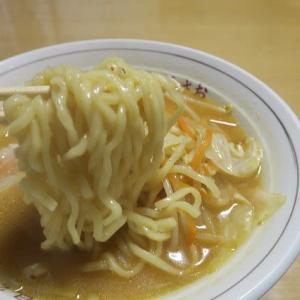 野菜味噌ラーメンと田舎蕎麦、炊屋食堂・・・