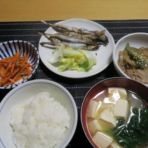 シシャモ定食、炊屋食堂の田舎ばんめし・・・昭和、質素倹約簡単安く旨く一汁三菜・・・