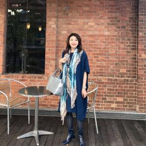 50代コーディネート☆体型カバーの楽チンワンピにストールで初秋コーデ