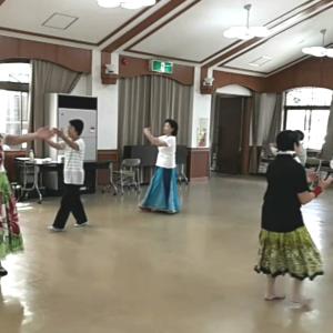 #山添村 #東山公民館 #はじめてのフラダンス #出張レッスン風景(^o^)v 次回11/29(金)10時~11時30分 予定です。 楽しんでいただけましたー。