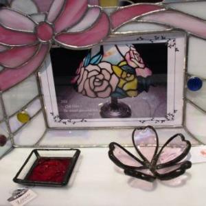 第14回びぃどろの会ステンドグラス展♪ガラスと光の魔術にうっとり