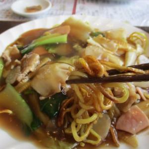 【中国料理つるのたまご】五目あんかけ焼きそばと味噌ラーメン