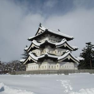 弘前公園の桜開花は4月18日とウエザーニュース♪雪の弘前城