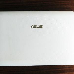 ASUSノートPCのデータ消去、BIOSが起動できない問題の解決
