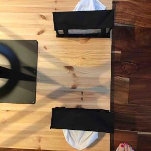 テーブルDIY(10) 天板裏にティッシュ2