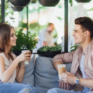土曜にお見合いしたら翌日のデートで真剣交際を言われることだってできる!