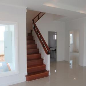 新しい家(階段と作業室)