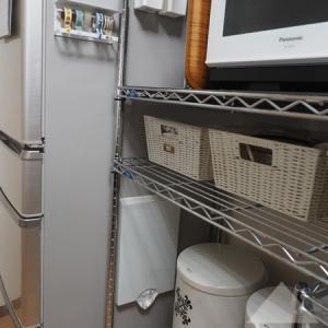 [キッチン]すぐに使える壁ペタ収納