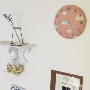 引き算しなきゃ!ゴテゴテインテリアと、minaの掛け時計