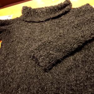 ニットカフェにて、セーター完成してます♪